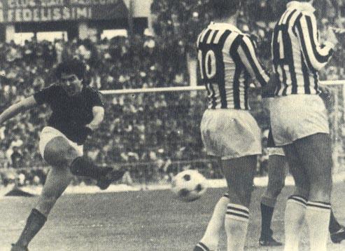 Agostino Di Bartolomei a segno in Roma-Juventus del campionato 1977/78