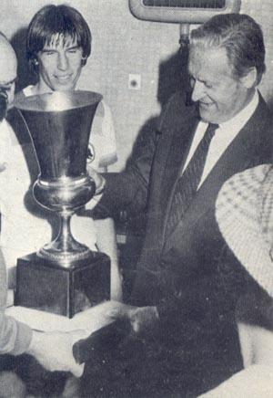 Liedholm alza il suo primo trofeo con la Roma